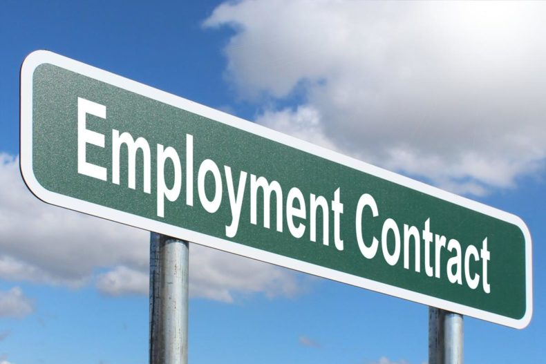 Things You Need to Check Before Signing an Employment Contract in Saudi Arabia